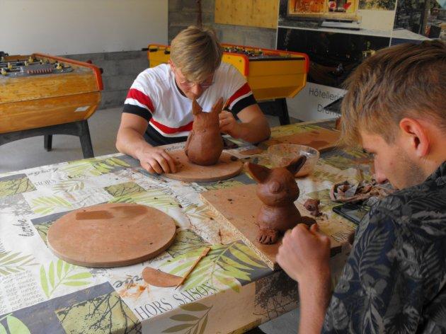 Atelier poterie au camping la Source du Jabron à Comps à 3km de Dieulefit