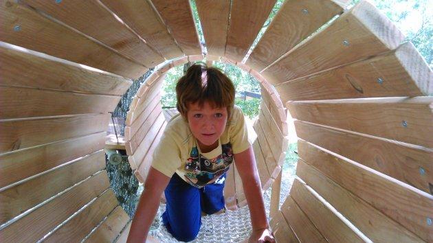 AcroBambino jeux en bois en accès libre au camping la Source du Jabron