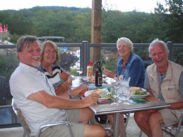 Joke et Douwe au Restaurant du camping la Source du Jabron