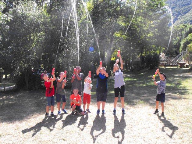 Jeux d'eau au camping la source du Jabron